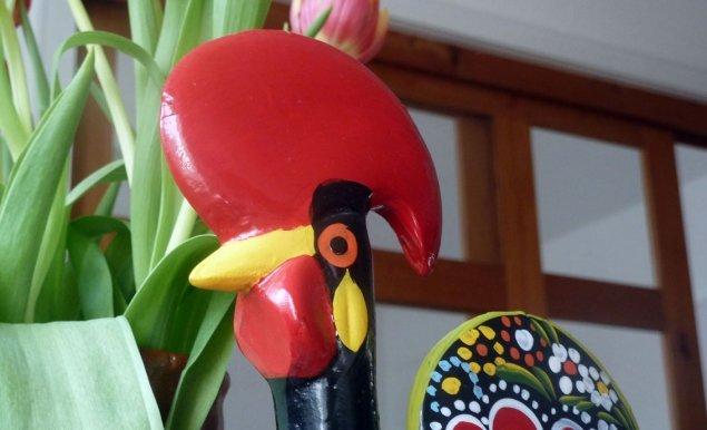 Portugals Wappentier und Glücksbringer - Der Hahn von Barcelos