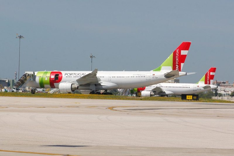 CS-TOF_A330_at_Airport
