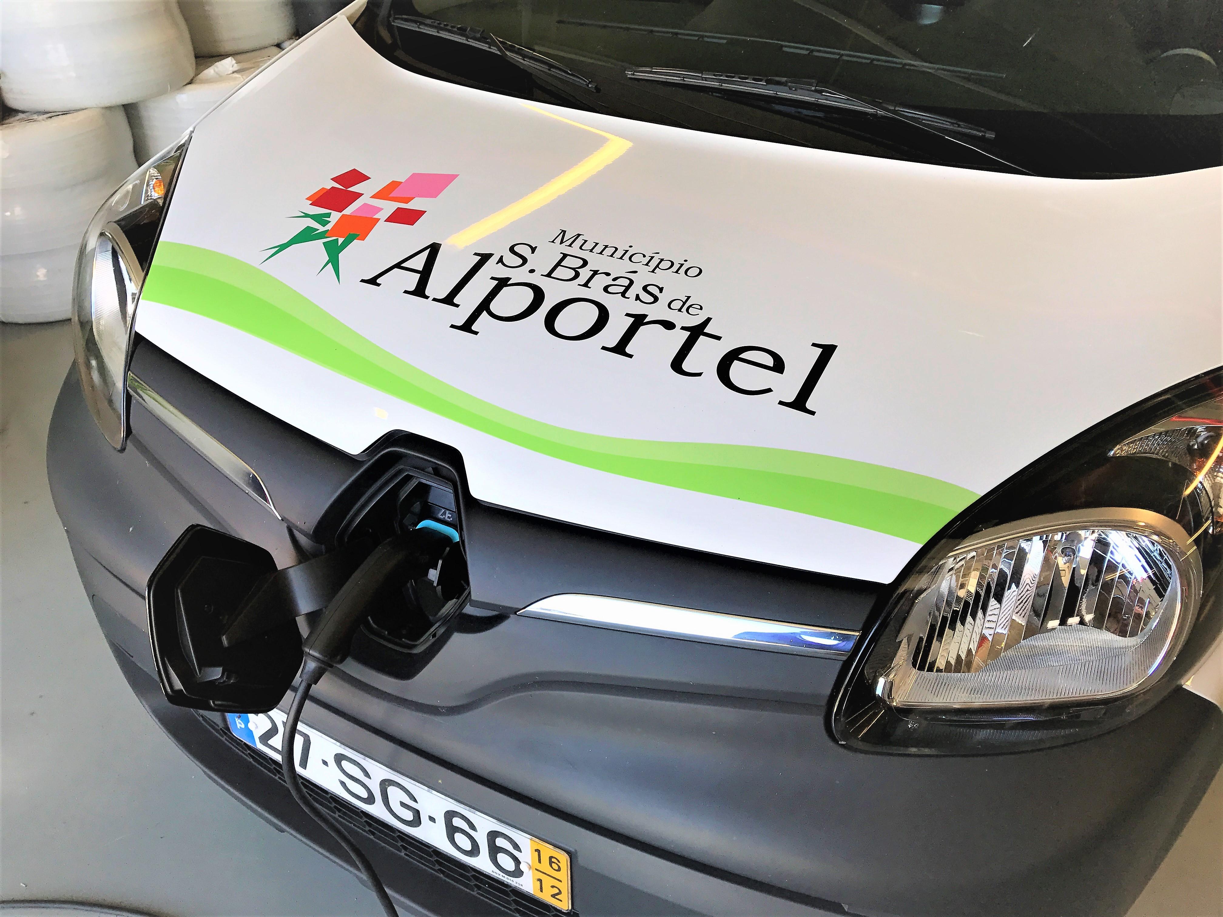 Elektroautos nutzen bereits Stadtverwaltungen an der Algarve wie hier in Sao Bras de Alportel