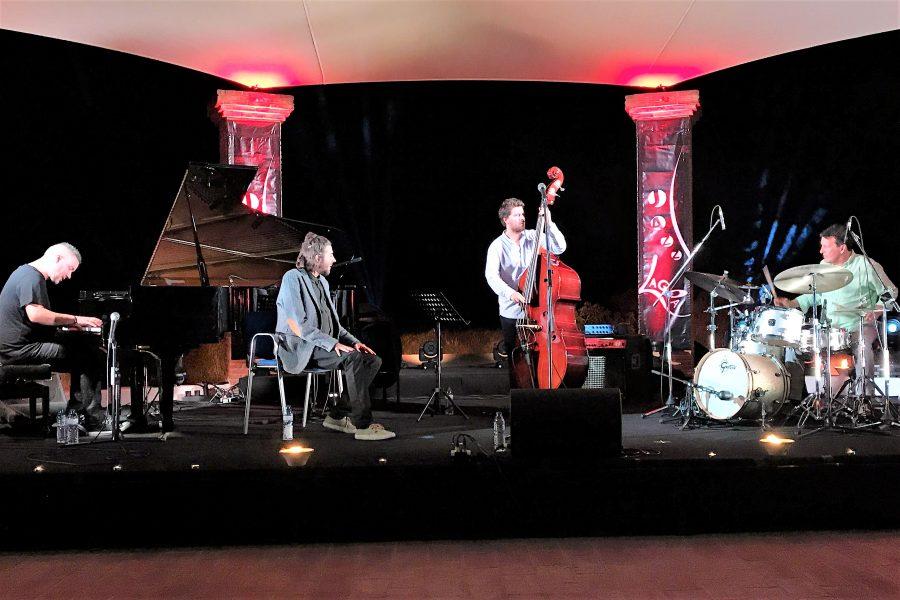 Salvador Sobral mit Trio Alma Nuestre auf Jazz Fest Lagoa 2017 an der Algarve