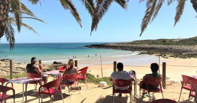 Ausgezeichnete Bade-Strände an der Algarve, hier Praia Ingrina