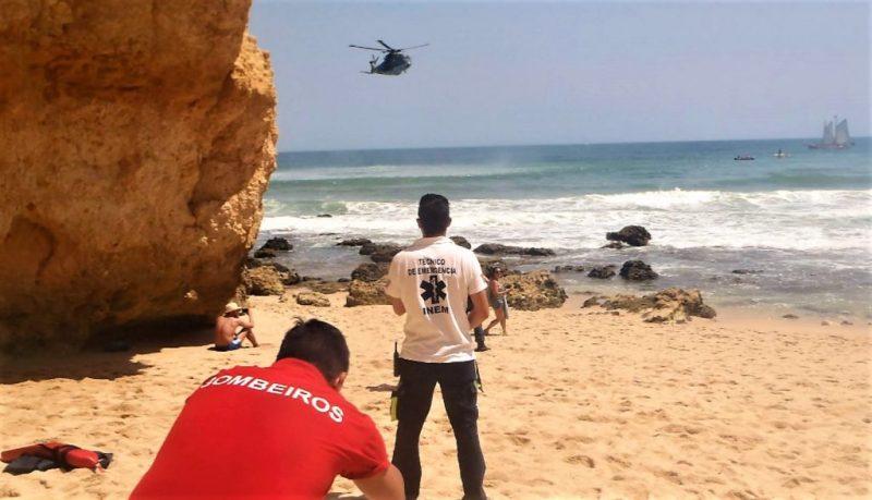 Helikopter rettet Unfallopfer aus Algarve-Klippen