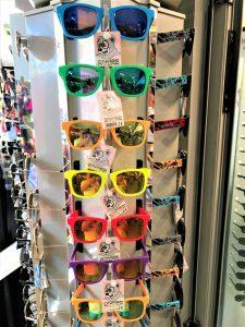 Souvenirs wie Sonnenbrillen heißt geliebt von Portugiesen