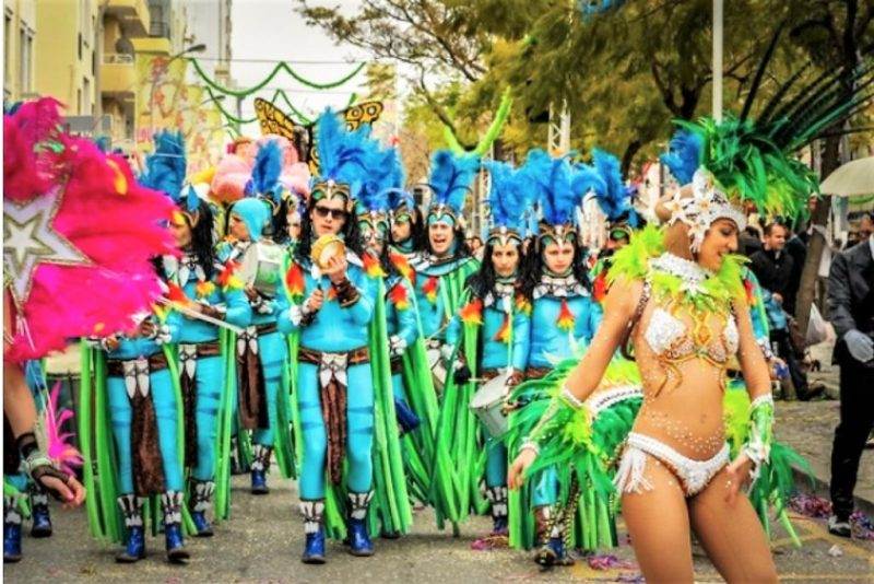 Centeno, Ronaldo, Merkel und andere prägen die Karnevalsumzüge in der Algarve-Hochburg Loule 2018