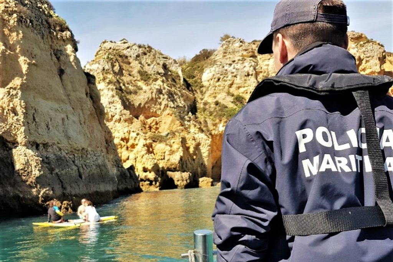 Algarve News über gerettete Stand-up-Paddlerinnen an der Algarve