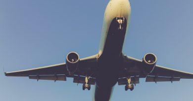 Artikel über Notlandung in Faro wegen stinkenden Passagiers stoßen übel auf