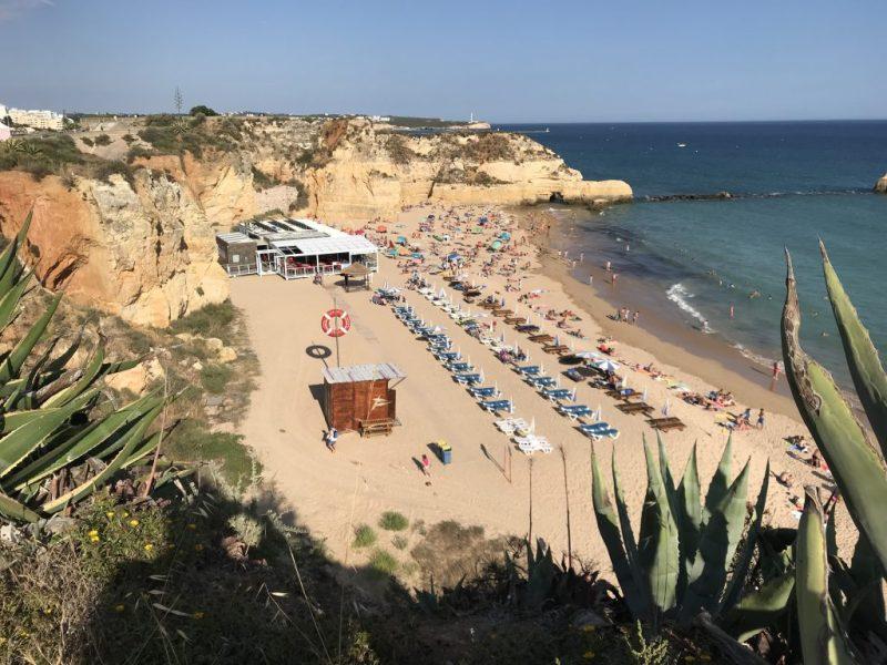 Gesundheit durch Erste Hilfe-Stationen an der Algarve, z.B. in Praia da Rocha bei Portimao