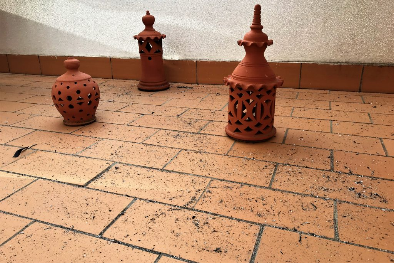 Algarve-Waldbrand ließ Asche auf Balkone, Terrassen, Autos und Straßen regnen