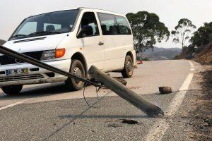Dauerbrenner Algarve-Waldbrände mit zerstörten Stromleitungen
