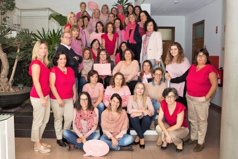 Algarve News über Brustkrebs-Kampagne in rosa bei Stadtverwaltung Lagoa