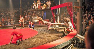 Französischer Zirkus am Ende des Waldbrand-Jahrs in Monchique an der Algarve