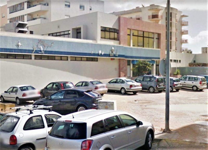 Finanzamt von Portimao an der Algarve Ziel von Fäkalien-Anschlag