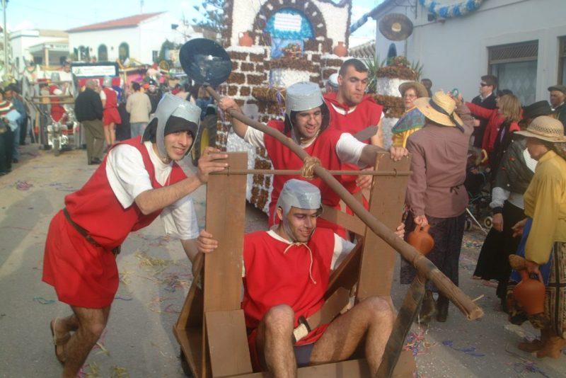 Algarve-Karneval mit Umzug auch im Dorf Alte
