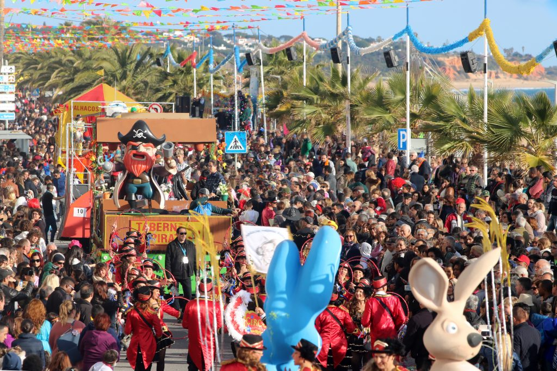 Algarve-Karneval mit Umzug auch in Quarteira