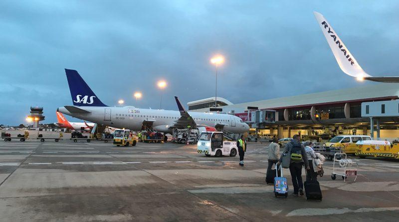 Kraftstoff-Mangel führte in Faro zu Flugstreichungen vor Ostern 2019