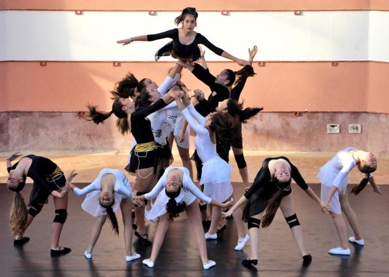 Fado-Wettbewerb und Tanzfestival mit vielen jugendlichen Künstlern der Algarve