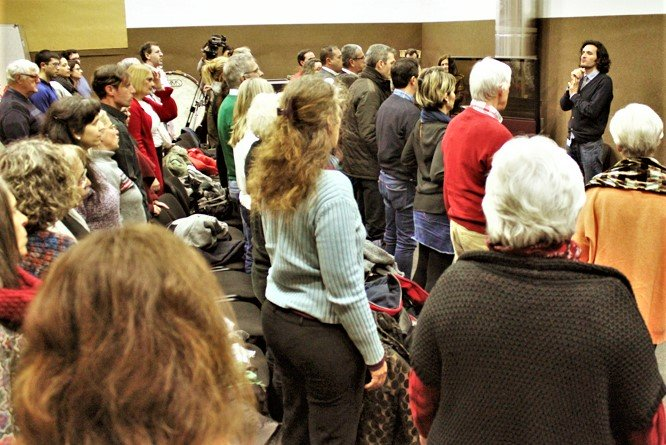 Nach Auftritt der Berliner Philharmoniker tritt der OCS-Chor an die Öffentlichkeit