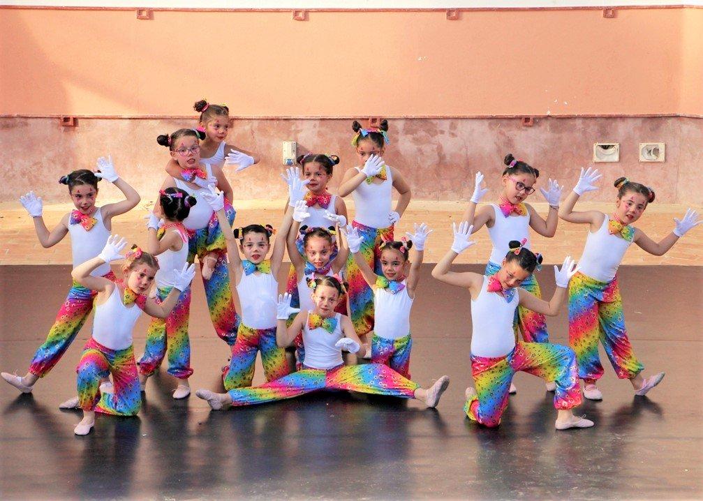Fado-Wettbewerb und Tanzgala an der Algarve mit vielen Kindern und Jugendlichen der Algarve