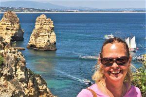 Rezension von Kerstin Gauer zu Bettina Haskamps neuem Algarve-Krimi