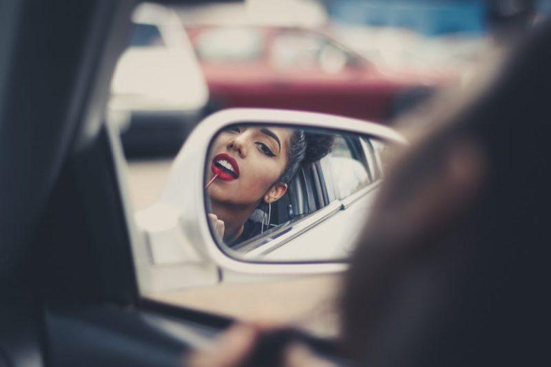 Mietwagen-Fahrer sollten eine Zusatzfahrerin möglichst bei der Buchung eintragen