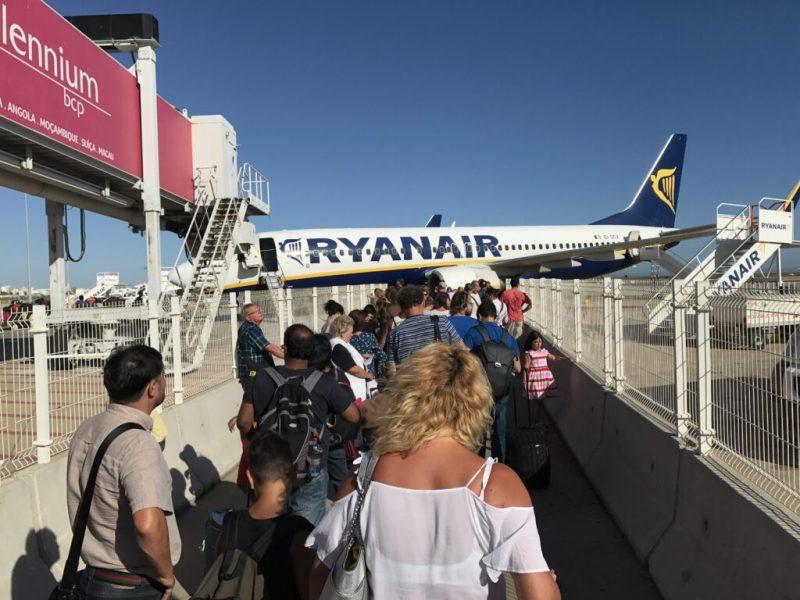 Ryanair-Flugbegleiter in Portugal im Ausstand aber wenig Auswirkungen an der Algarve