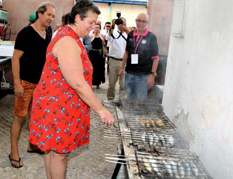 Anlieferung der Sardinen eröffnet Algarve-Festival in Portimao