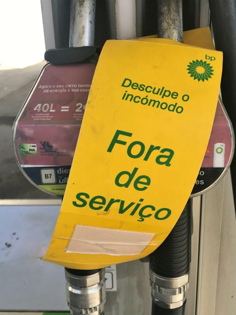 """Beschlagnahmte Tankwagen sollen Zapfsäulen """"außer Dienst"""" wieder mit Sprit versorgen in Portugal"""