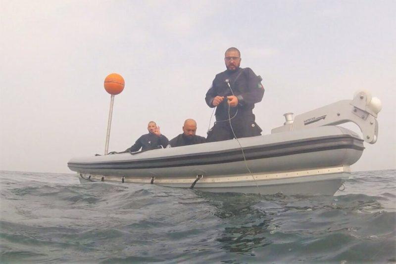 Minen räumen ist Aufgabe portugiesischer Marinetaucher in der Ostsee vor Fehmarn
