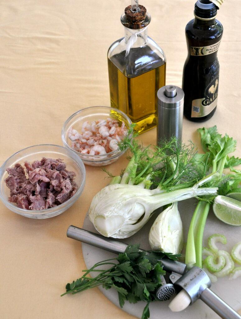 """Zutaten für Estupeta-Salat """"Italienische Art"""" mit ausgedrückten Thunfisch"""