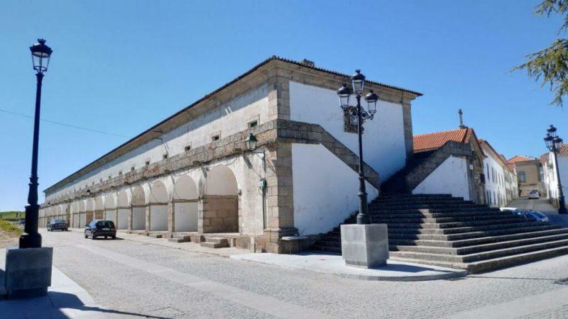 Staats-Immobilien in Portugal wie das Quartel das Esquadras stehen zum Verkauf
