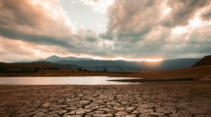 Wasserknappheit an der Ost-Algarve ließ Brunnen austrocken und erfordert Tankwagen-Versorgung