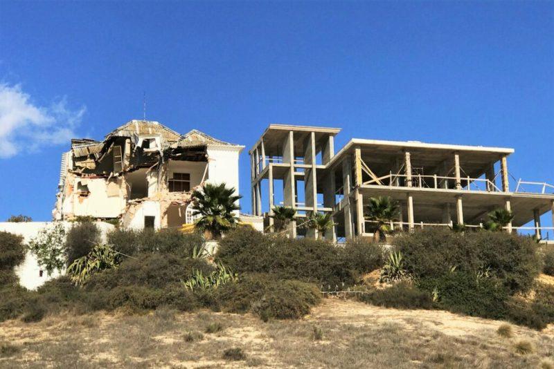 Algarve News über Bau-Skandal in Praia da Rocha