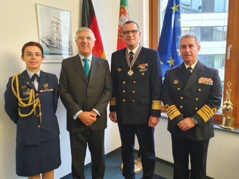 Algarve News zu Ehrung des deutschen Marine-Inspekteurs durch Portugal