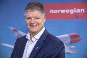 Norwegian CEO Jacob Schram kündigt Flugstreichungen an